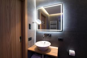 A bathroom at Residence La Tambra