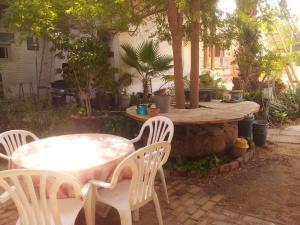 מסעדה או מקום אחר לאכול בו ב-צימר פנינה