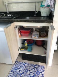 Una cocina o zona de cocina en Loft Container em Jurerê