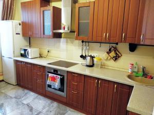 A kitchen or kitchenette at Lesnye Dali
