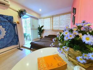 Dinh House - Silent HomeStay In Center