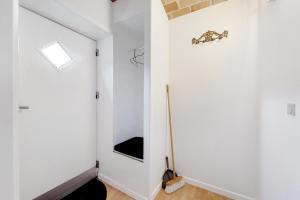 Et badeværelse på Adventure Park Apartments