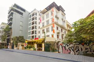 Green Mango Hotel