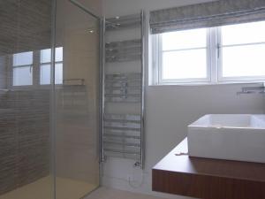 A bathroom at Compton House, Compton Bishop