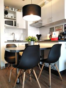 Una cocina o zona de cocina en Altos Alameda O'Higgins