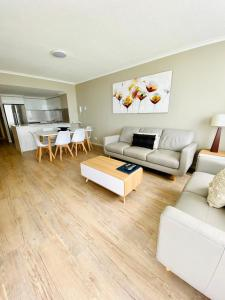 A seating area at Kirra Beach Apartments