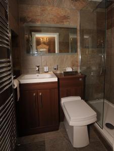 A bathroom at Tower Apartments