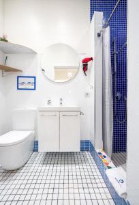 Ein Badezimmer in der Unterkunft BetiJai - Basque Stay