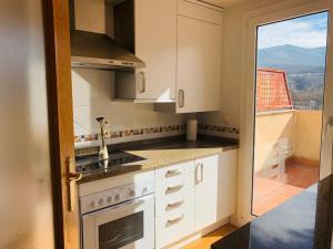 Küche/Küchenzeile in der Unterkunft Aticos de Valdesierra