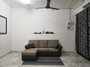 A seating area at Rumah Kita Homestay @Kulim