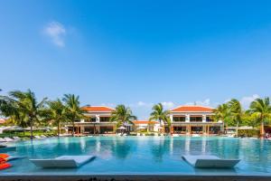 Royal Villas Beach Resort