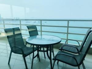 Балкон или терраса в View Talay 6 Pattaya Beach Apartment by Honey