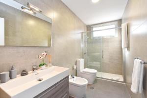 Een badkamer bij Top Salobre Villas