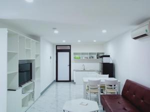356 Hoang Dieu Apartment