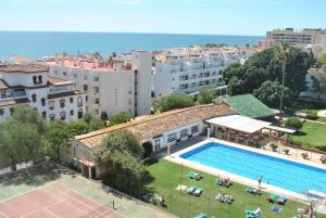 A view of the pool at Carihuela Park Palace - Cocasa or nearby