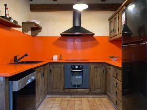 Una cocina o zona de cocina en Can Vila