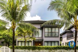 Golden Island Villas by Oblue