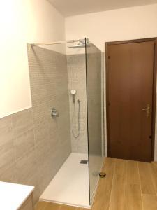 A bathroom at Charming Venice 2
