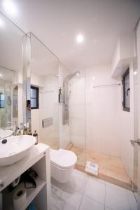 A bathroom at Bliss Lisbon Apartments - Bairro Alto