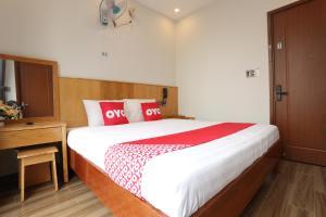 OYO 989 Hoang Anh Hotel