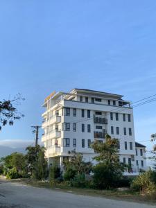 Summering Hotel