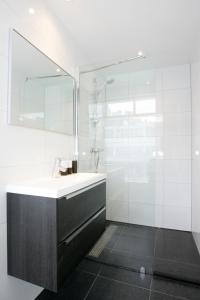 A bathroom at Citystudios