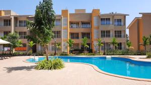 The swimming pool at or close to Luxurious 2BHK PoolView Apartment in Anjuna Vagator