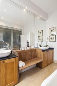 Salle de bains dans l'établissement Winchendon Road by Onefinestay