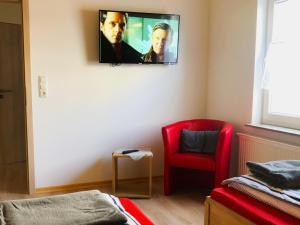 TV/Unterhaltungsangebot in der Unterkunft Schlafen wie Zuhause Avianaart Monteur und Ferienwohnung