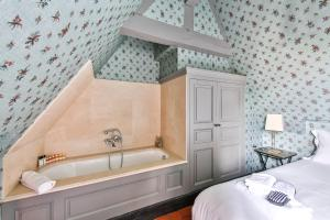 A bathroom at Parc Royal Appartements