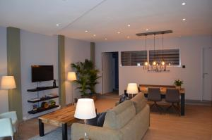 A seating area at Relaxed Apartments Haarlem