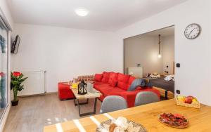 A seating area at Supreme Comfort Apartments by Athens Stay