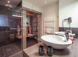 حمام في شقة ليفينغ شونفيس
