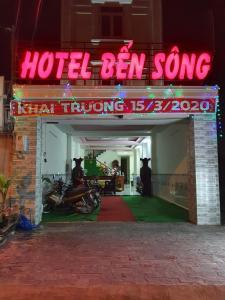 HOTEL BẾN SÔNG