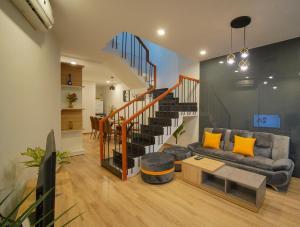 Luna House 3