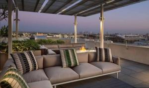 A balcony or terrace at Lifestyle living apartments welcome to Hollywood