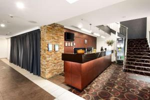 The lobby or reception area at Quality Hotel Bayside Geelong