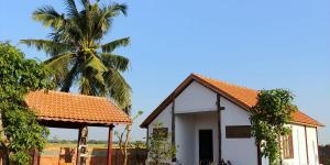 CocoPalm Villa near Beach 2 - Apple Room
