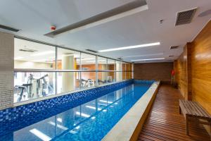 The swimming pool at or close to Apartamento Vision 2