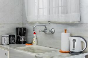 A kitchen or kitchenette at Travel Resort