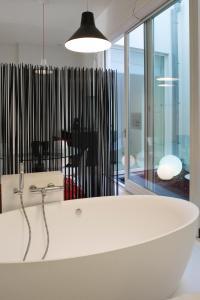 Salle de bains dans l'établissement Leopold5 Luxe-Design Apartment