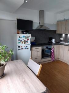 A kitchen or kitchenette at Vosseslag Beach