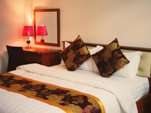 Hotel Hồng Ân Cột 3