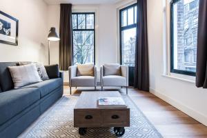 A seating area at De Pijp Boutique Apartments
