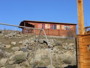 Het gebouw waarin het chalet zich bevindt