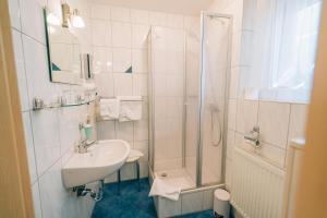 A bathroom at Hotel Abenstal