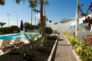 Het zwembad bij of vlak bij El Greco