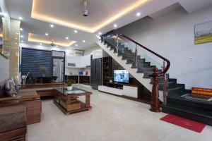 Sonny homestay Ha long- Biệt thự liền kề 5 phòng ngủ trung tâm KDL Bãi Cháy phù hợp với gia đình hoặc nhóm bạn trẻ trên 12 người
