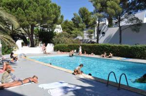 Swimmingpoolen hos eller tæt på Port-Vincent