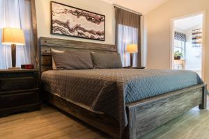 A bed or beds in a room at Soothing Tranquility! Private Pool and Spa with Water View!